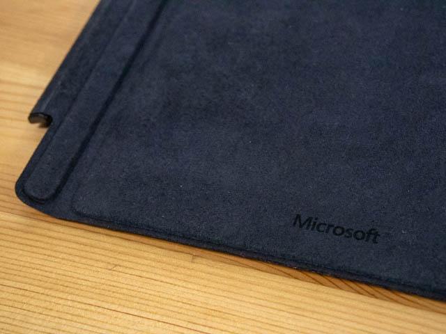 SurfacePro6 タイプカバー 裏面