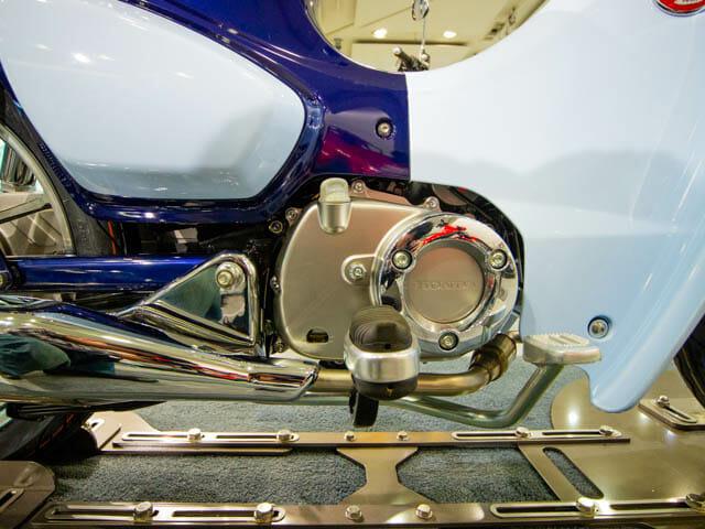 スーパーカブC125 右側面-フットブレーキ