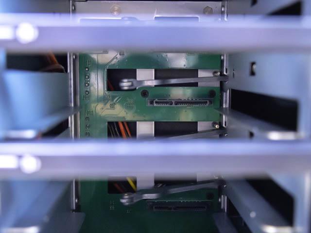 裸族のカプセルホテルVer2 内部