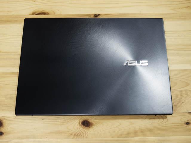 ASUS-ZenBookProDuo 天板