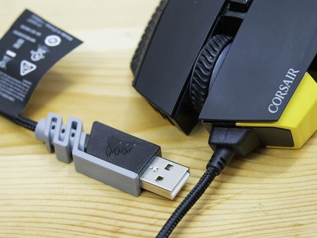 多ボタンゲーミングマウスCorsair-SCIMITAR-PRO-RGB ケーブル