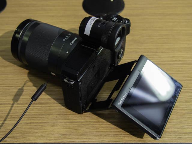 EOS-M6-Mark-II チルト機構液晶モニター-撮影アングル