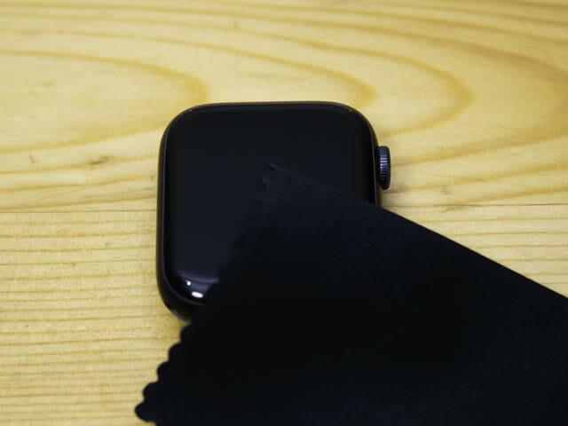 AppleWatch保護フィルム決定版 ベルキン-清掃