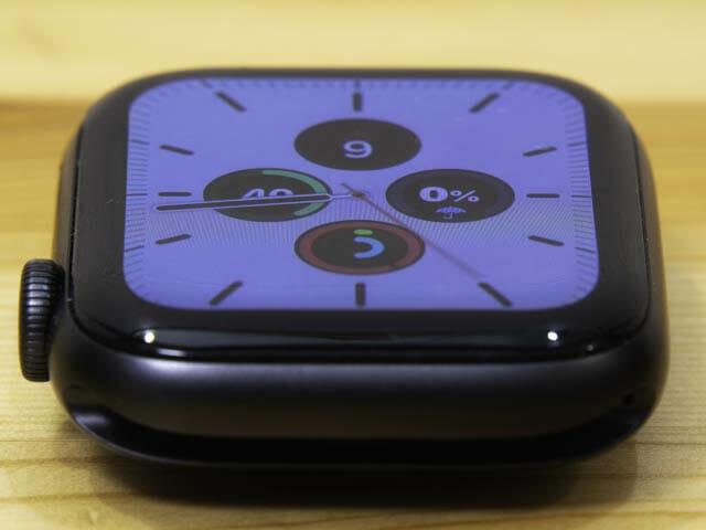 AppleWatch保護フィルム決定版 ベルキン-液晶表示位置精度