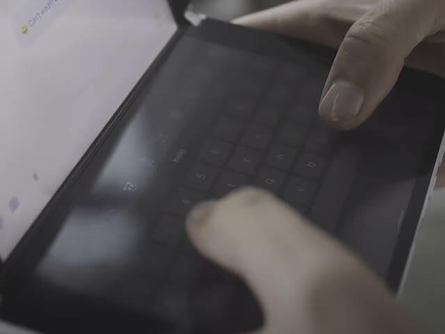 SurfaceDuoとは 小型ラップトップ